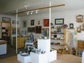 Great Alpine Gallery - Accommodation VIC