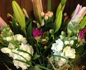 Alpine Blooms Florist Mansfield - Accommodation VIC