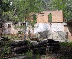 Newnes Shale Oil Ruins - Accommodation VIC