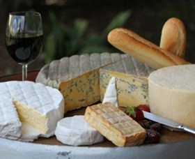 Hunter Belle Cheese - Accommodation VIC
