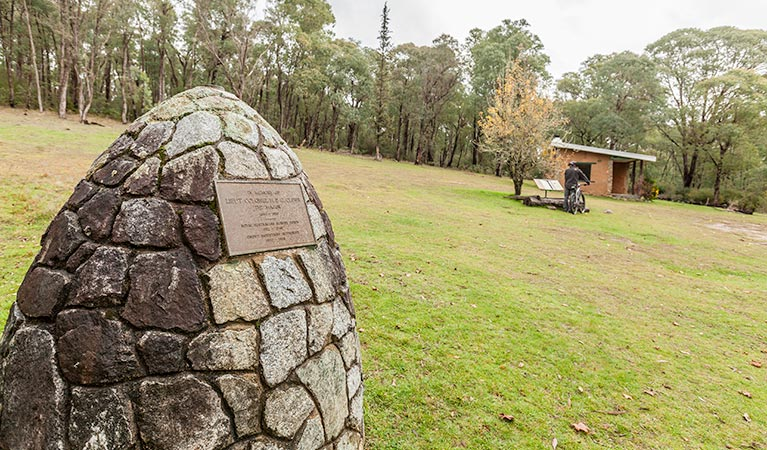 Major Clews Hut walking track - Accommodation VIC