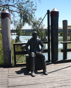 Captain John Egge Statue - Accommodation VIC