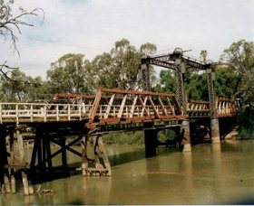 Swan Hill - Murray River Road Bridge - Accommodation VIC