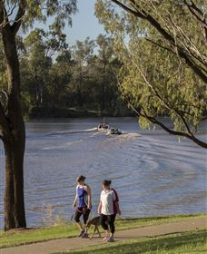 St George Riverbank Walkway - Accommodation VIC