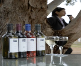 Woolaway Wines - Accommodation VIC