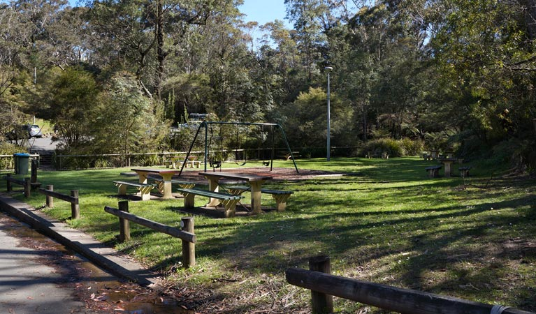 Gordon Falls lookout and picnic area - Accommodation VIC