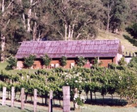 Undercliff Winery and Gallery - Accommodation VIC