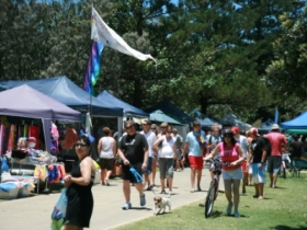 Coolangatta Art and Craft Markets - Accommodation VIC