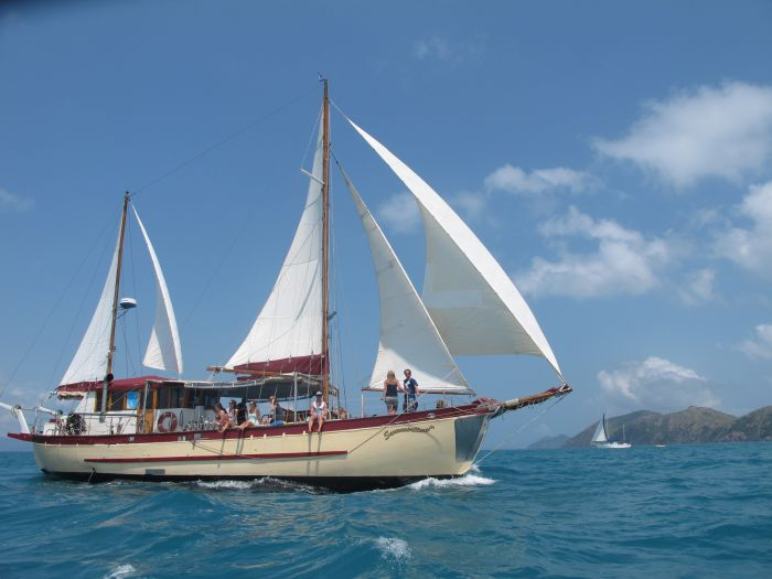 Adventure Cruise Dive and Outer Reef - Whitsundays Sailing Adventures - Accommodation VIC