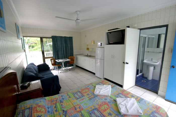 Tropical Palms Inn - Accommodation VIC