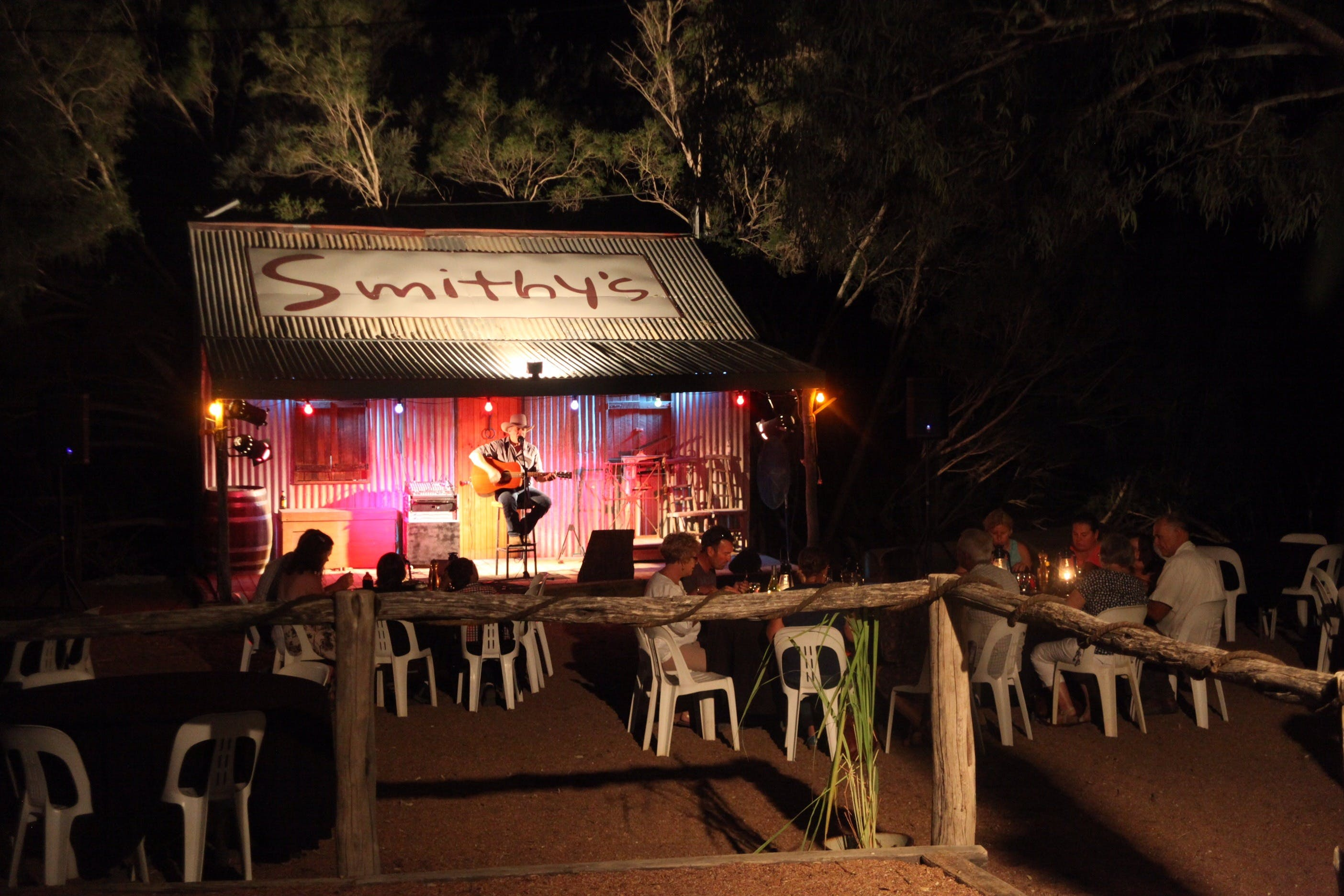 Smithy's Outback Dinner and Show - Accommodation VIC