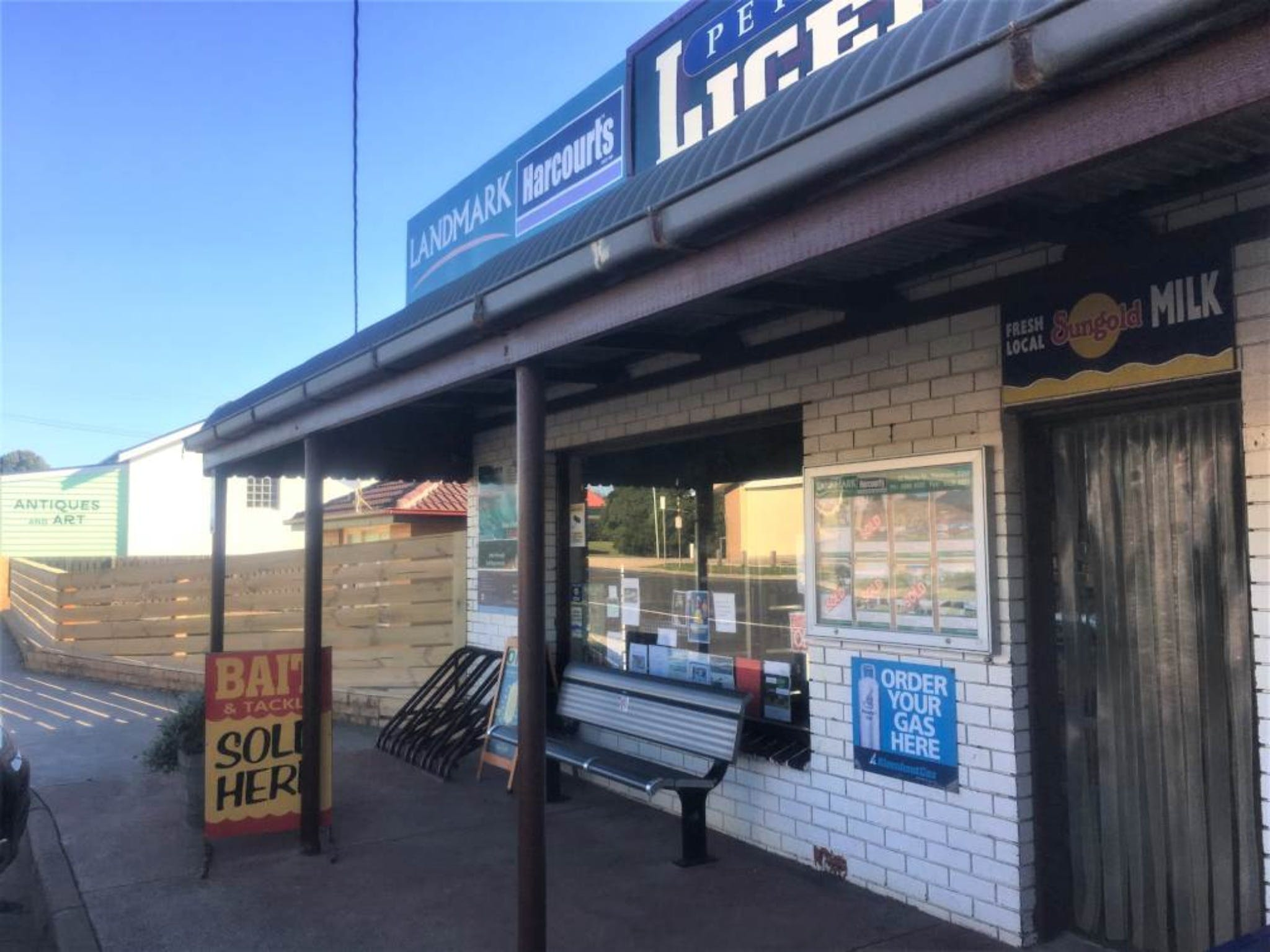 Peterborough Licensed Grocers - Accommodation VIC