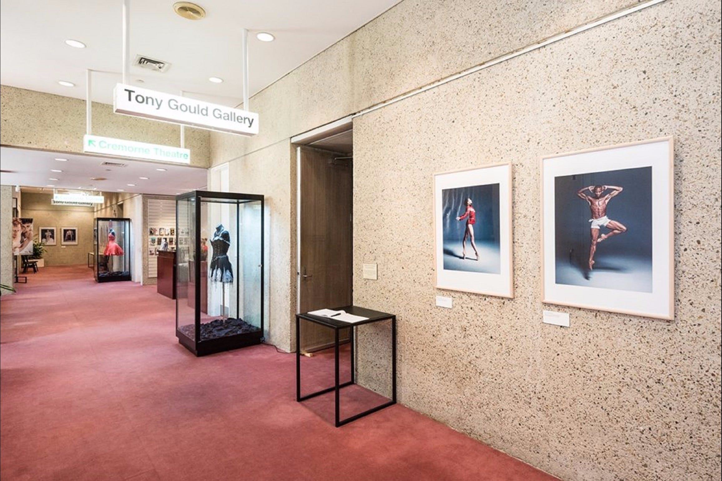 Tony Gould Gallery - Accommodation VIC