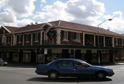 Keighery Hotel - Accommodation VIC