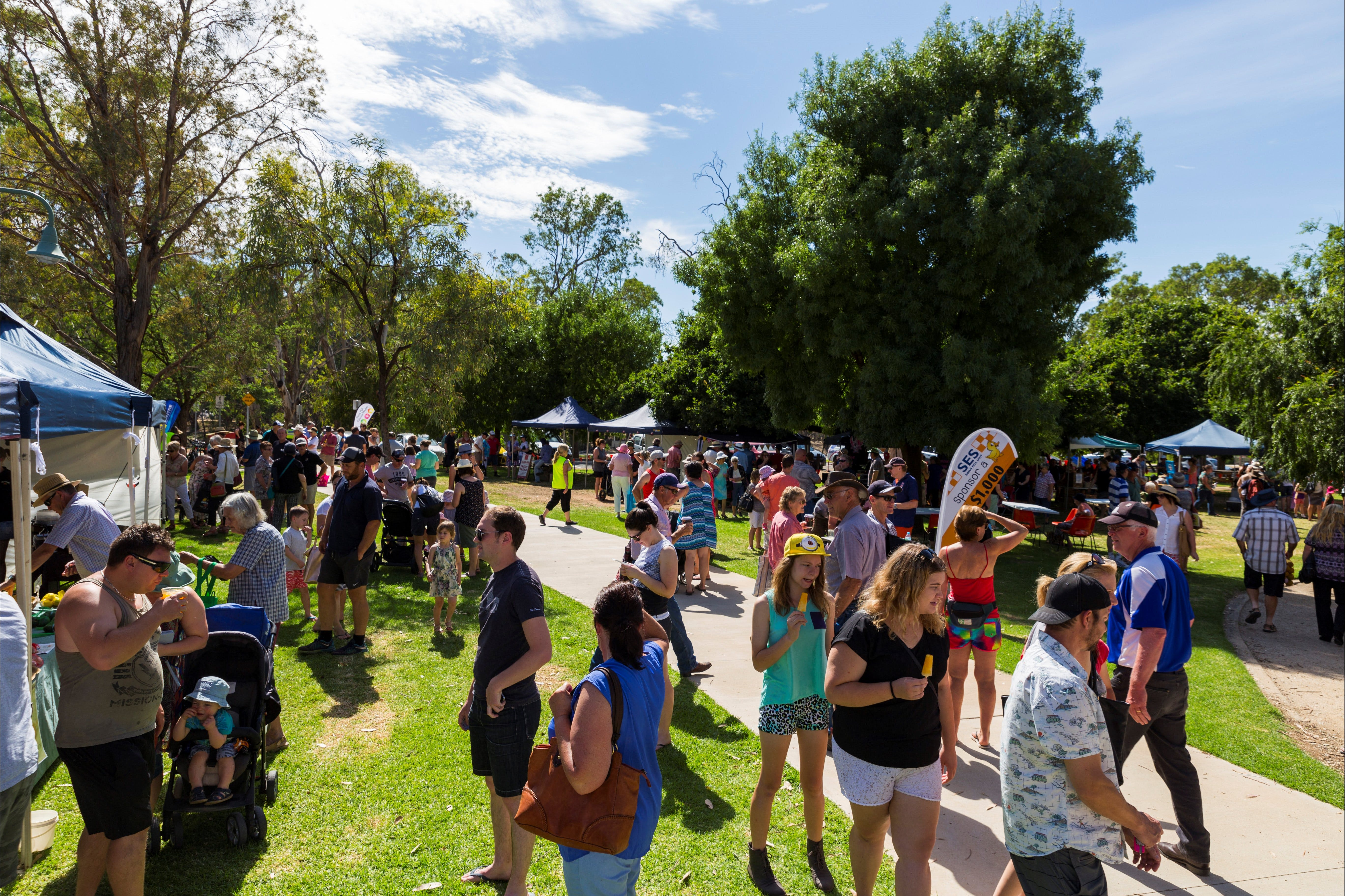 Swan Hill Farmers Market - Accommodation VIC