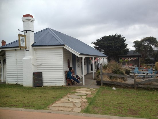 Willows Tea House - Accommodation VIC