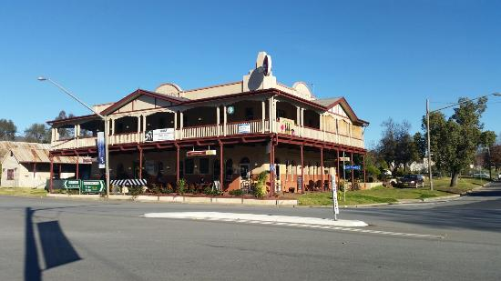 The Royal Hotel - Accommodation VIC