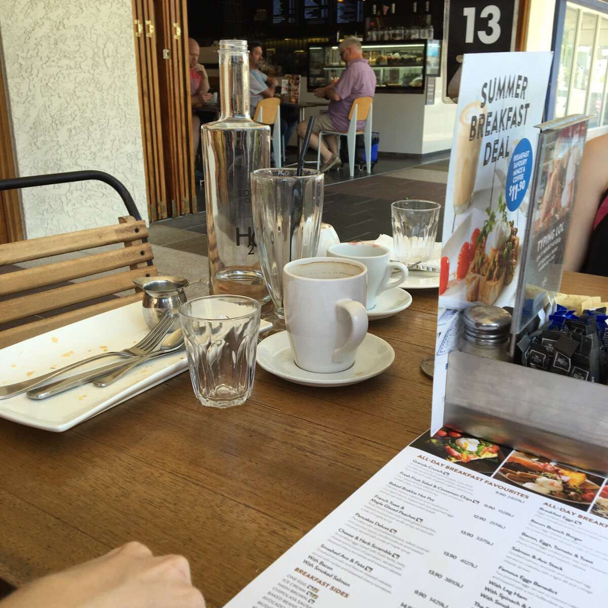 The Coffee Club - Grand Hotel - Gladstone - Accommodation VIC