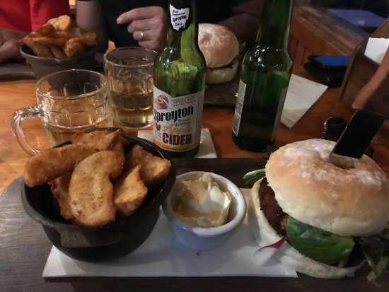 Peppers Cradle Mountain Lodge Tavern Bar  Bistro - Accommodation VIC