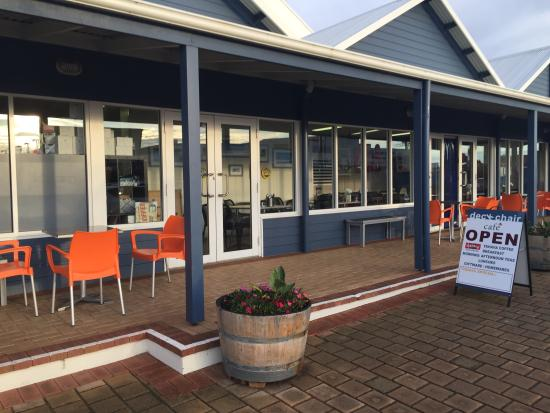 DeckChair Cafe - Accommodation VIC