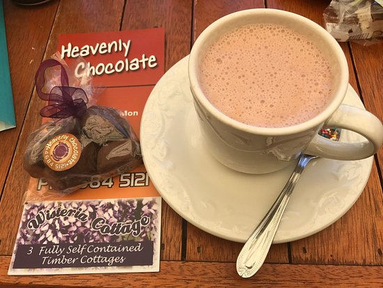 Stanthorpe's Heavenly Chocolate at Wisteria Cottage - Accommodation VIC