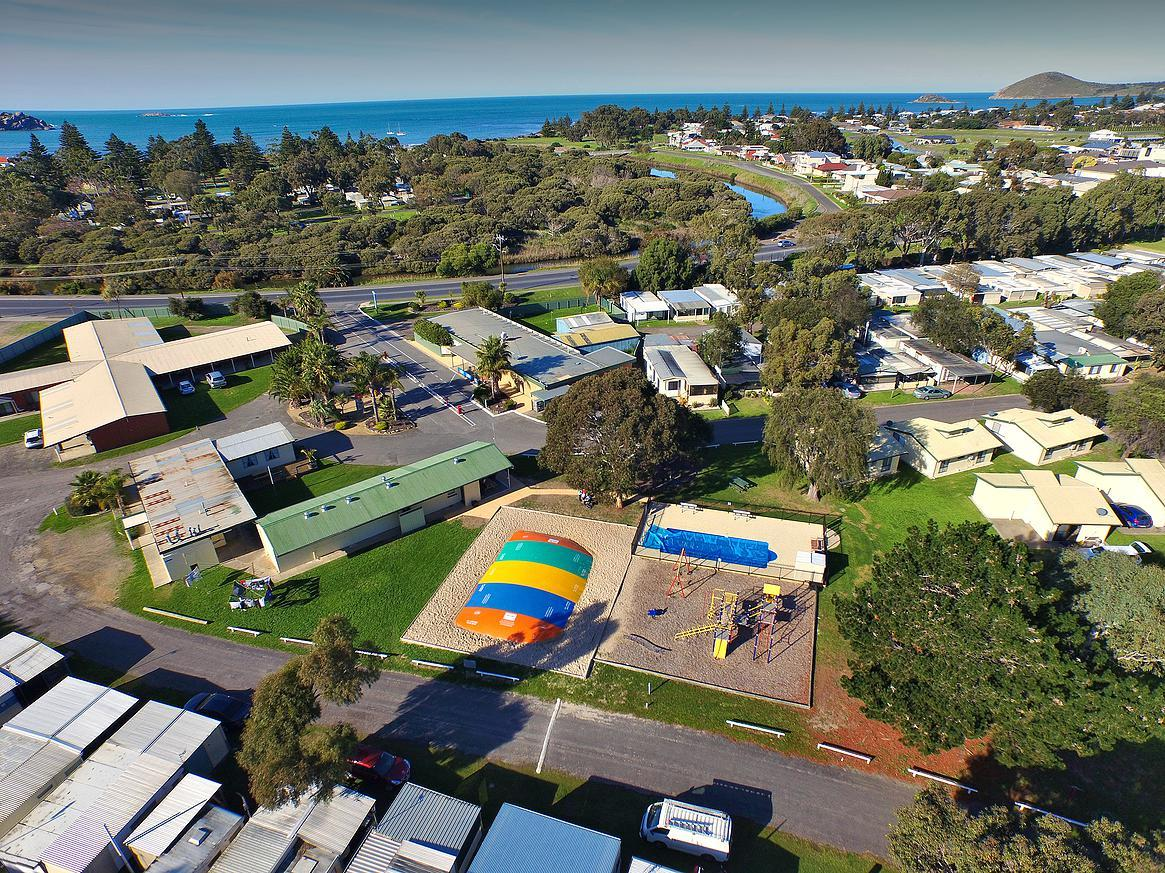 Victor Harbor Holiday  Cabin Park - Accommodation VIC