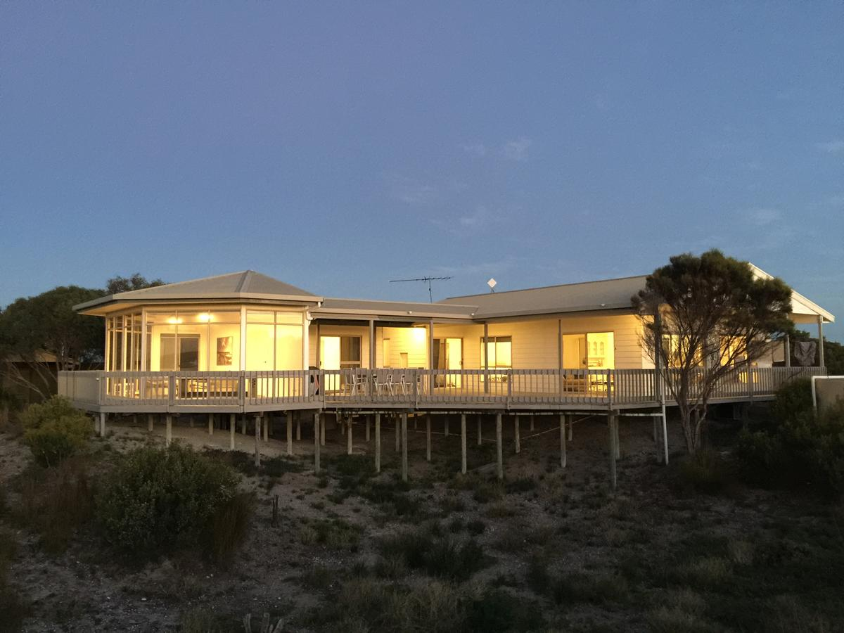 White Sands Holiday Retreat - Accommodation VIC