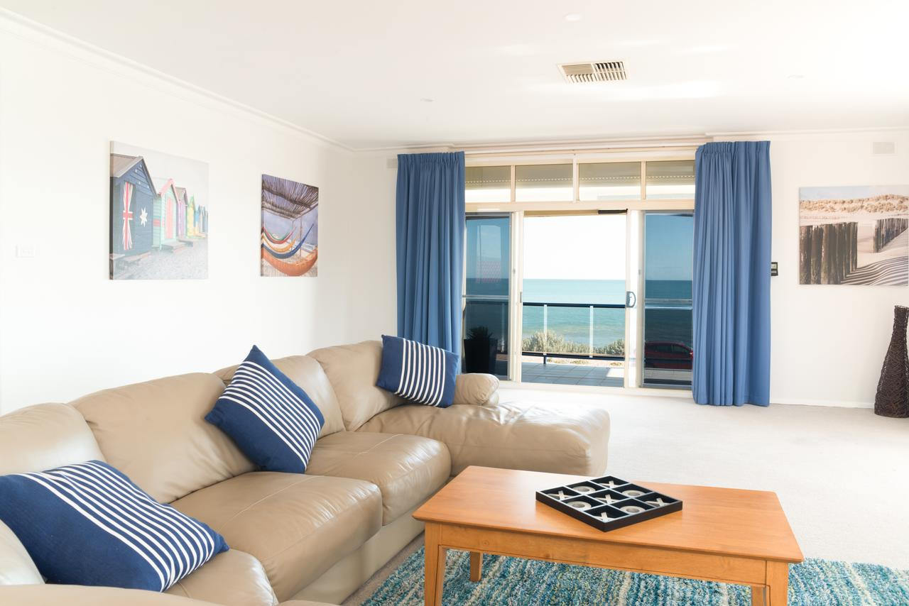 Seaview Sunset Holiday Apartments - Accommodation VIC