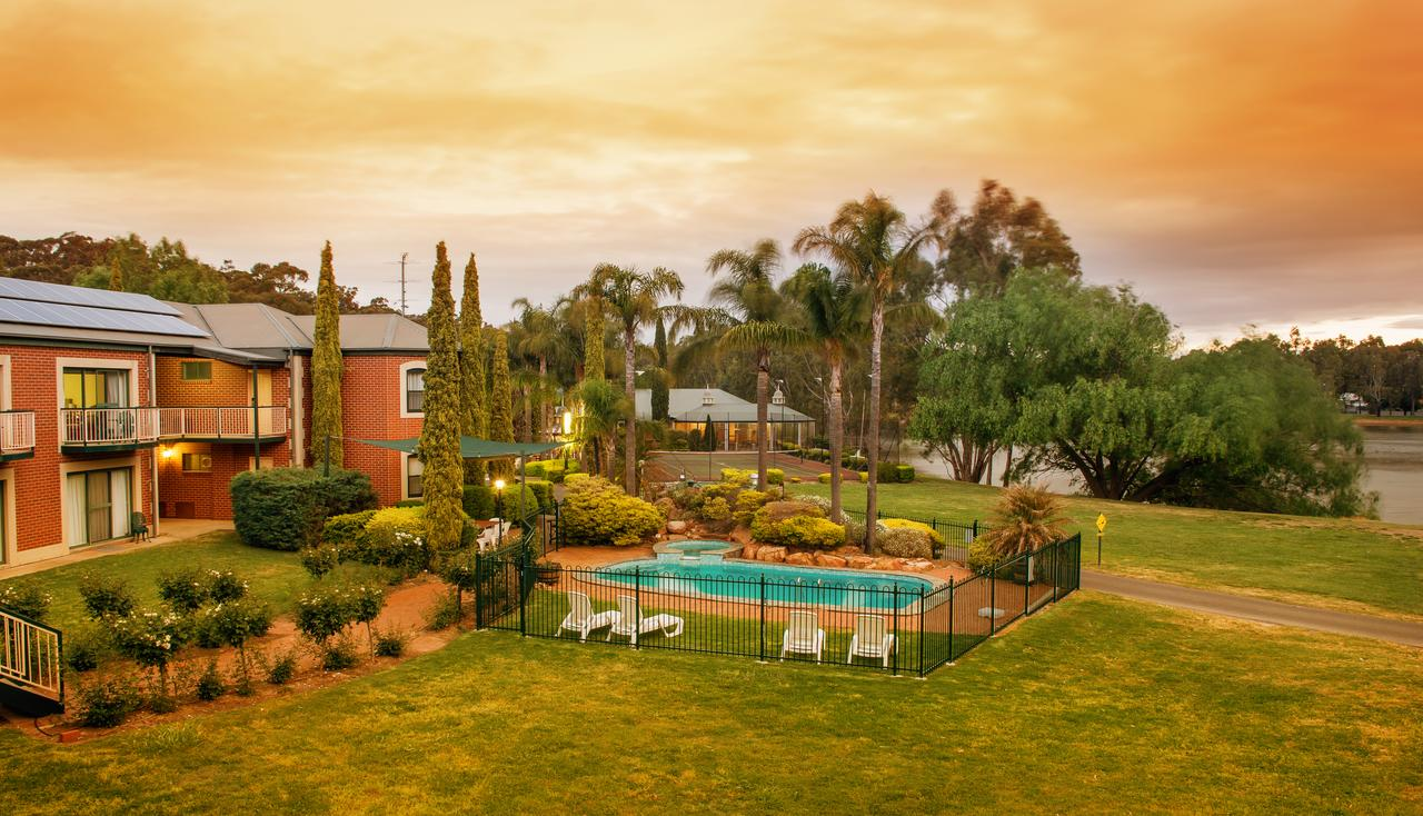 Clare Country Club - Accommodation VIC