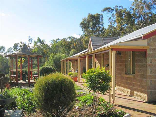Riesling Trail  Clare Valley Cottages - Accommodation VIC