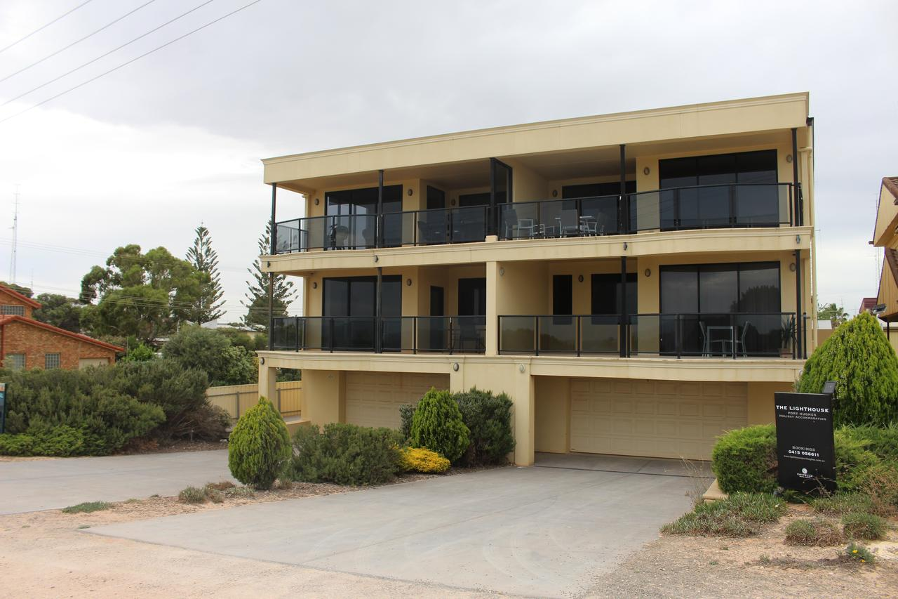 The Lighthouse - Beachfront Accommodation - Accommodation VIC