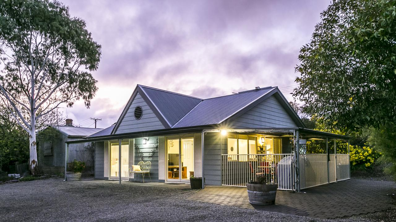 One Tree Bed and Breakfast - Accommodation VIC
