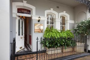 Stunning Terrace in Centennial Park - Accommodation VIC