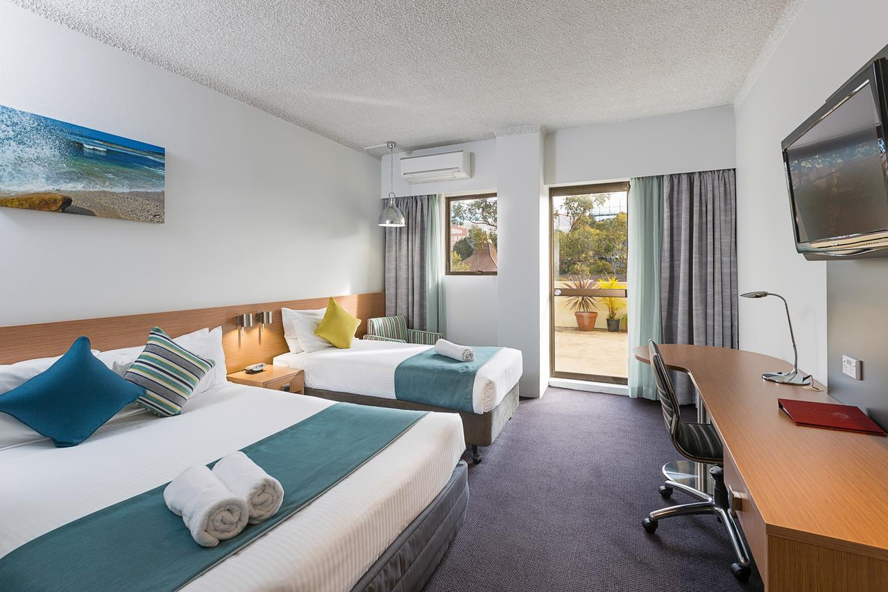 Metro Hotel Miranda - Accommodation VIC