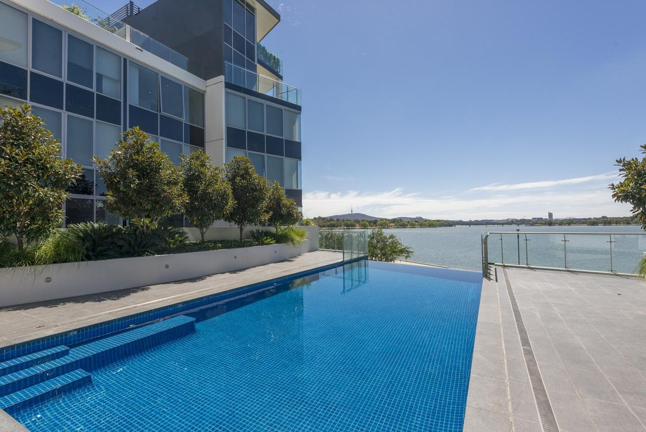 Accommodate Canberra - Lakefront - Accommodation VIC
