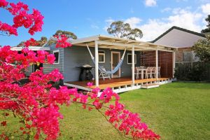 Hayes Beach House - Jervis Bay - Pet Friendly - Accommodation VIC