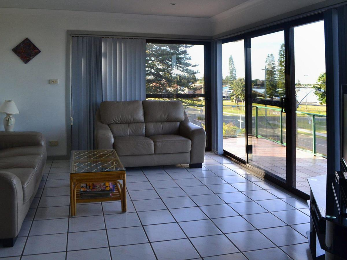 Oxley 8 at Tuncurry - Accommodation VIC