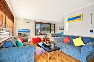 Sandy Toes Beach House Jervis Bay - 2min to Beach - Accommodation VIC