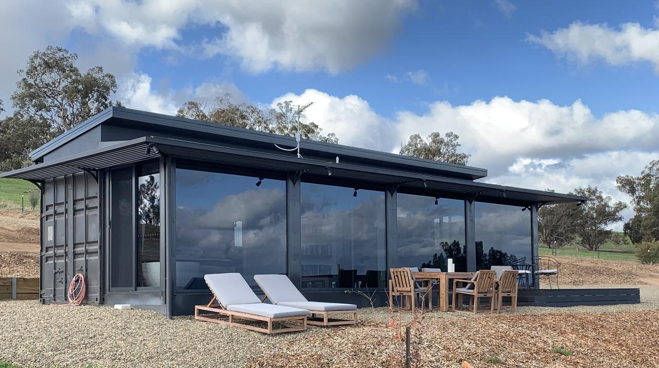 Belisi Farmstay Cottage - Accommodation VIC