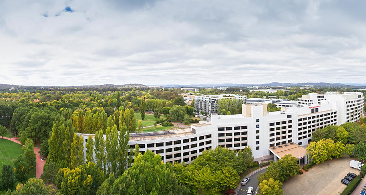 Crowne Plaza Canberra - Accommodation VIC