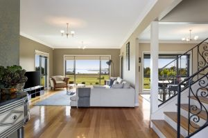 LUXURY WATERFRONT FAMILY HOME-TASMANIA I-L'Abode - Accommodation VIC