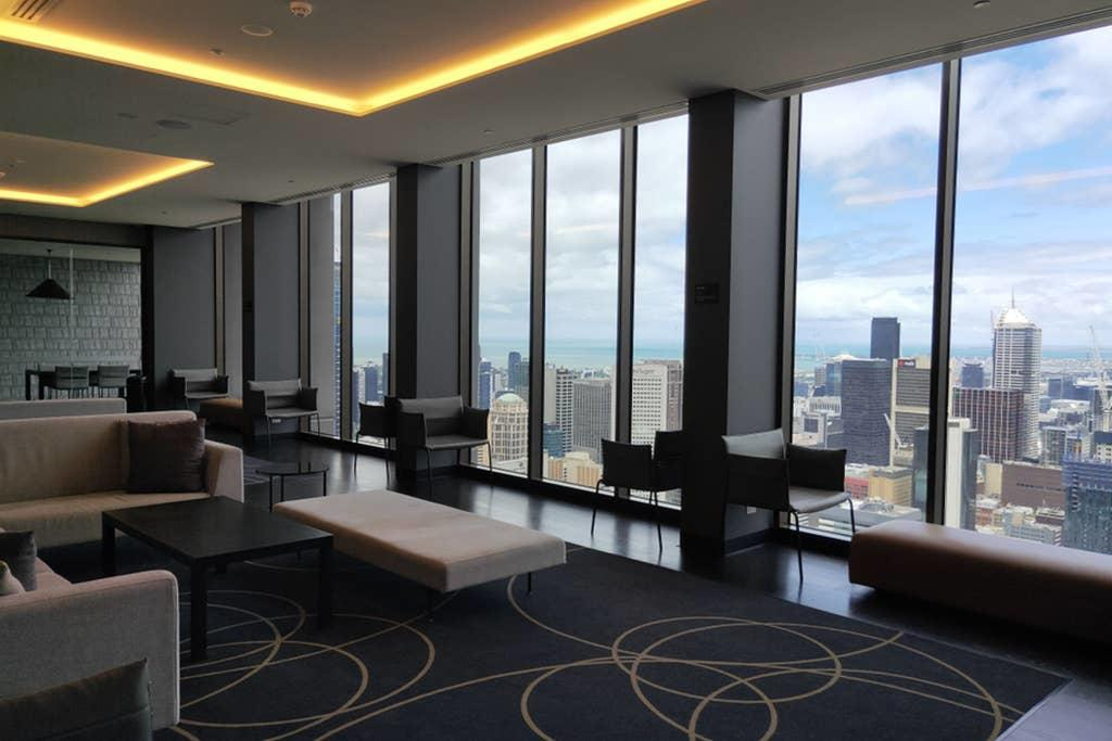 Melbourne CBD Apartment With Luxury Private Facilities - Accommodation VIC