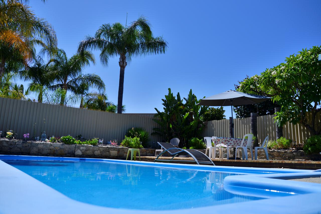 Palms Bed  Breakfast - Accommodation VIC