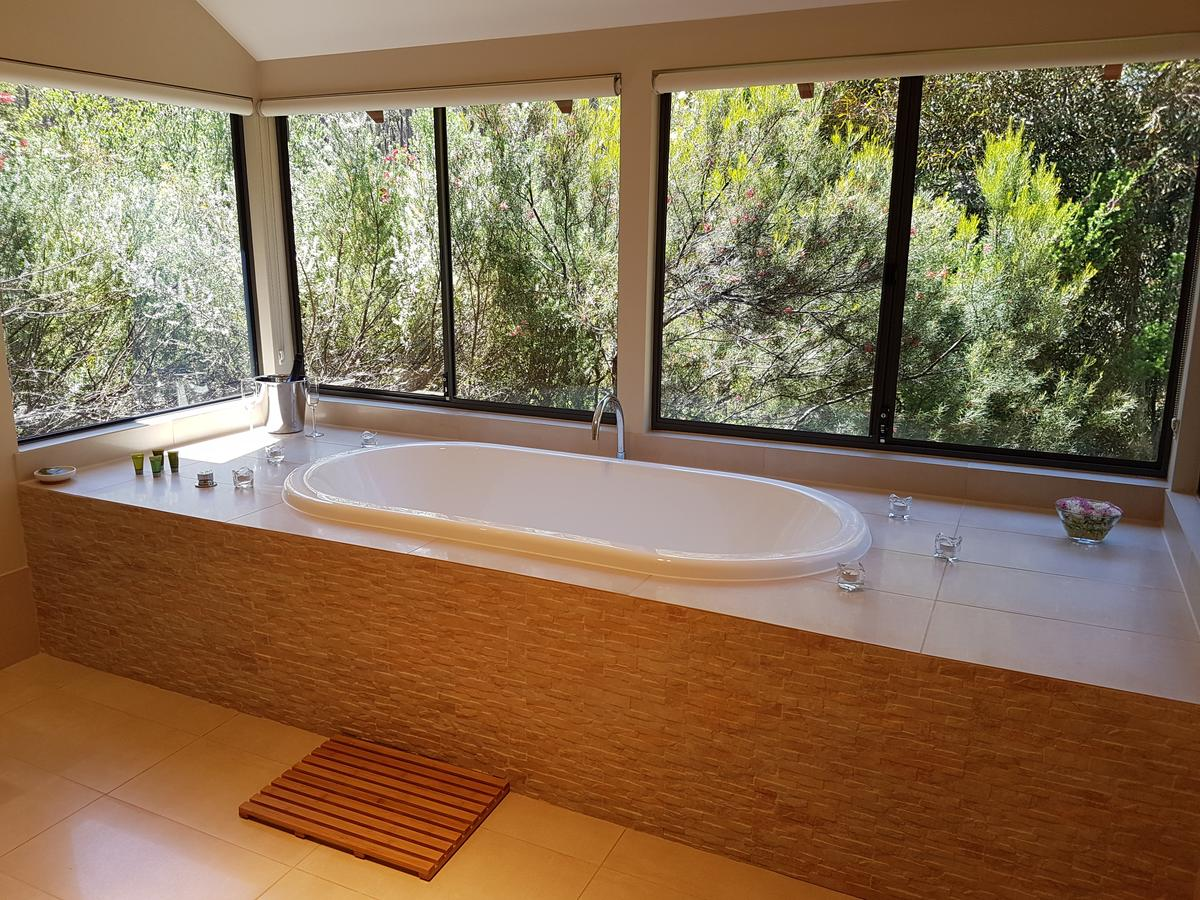 Jarrah Grove Forest Retreat - Accommodation VIC