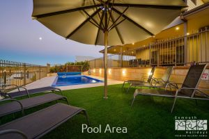 7 Kestrel Place - PRIVATE JETTY  POOL - Accommodation VIC