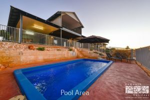 3 Kestrel Place - PRIVATE JETTY  POOL - Accommodation VIC