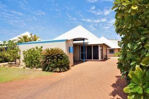 Osprey Holiday Village Unit 119 - Close to the pool - Accommodation VIC