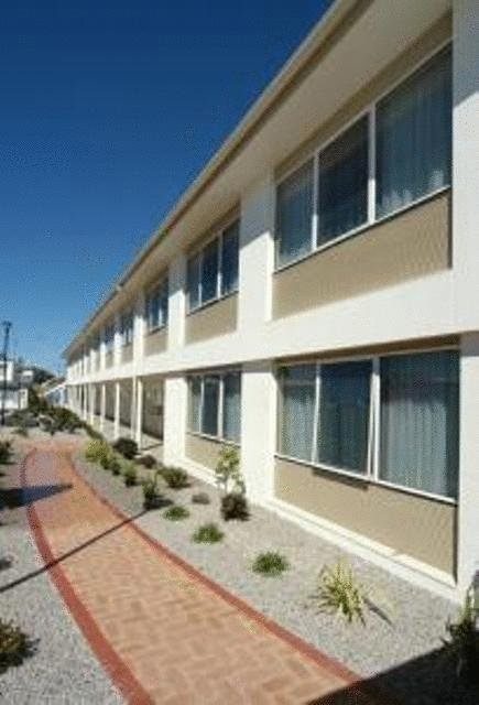 Edgewater Hotel - Accommodation VIC
