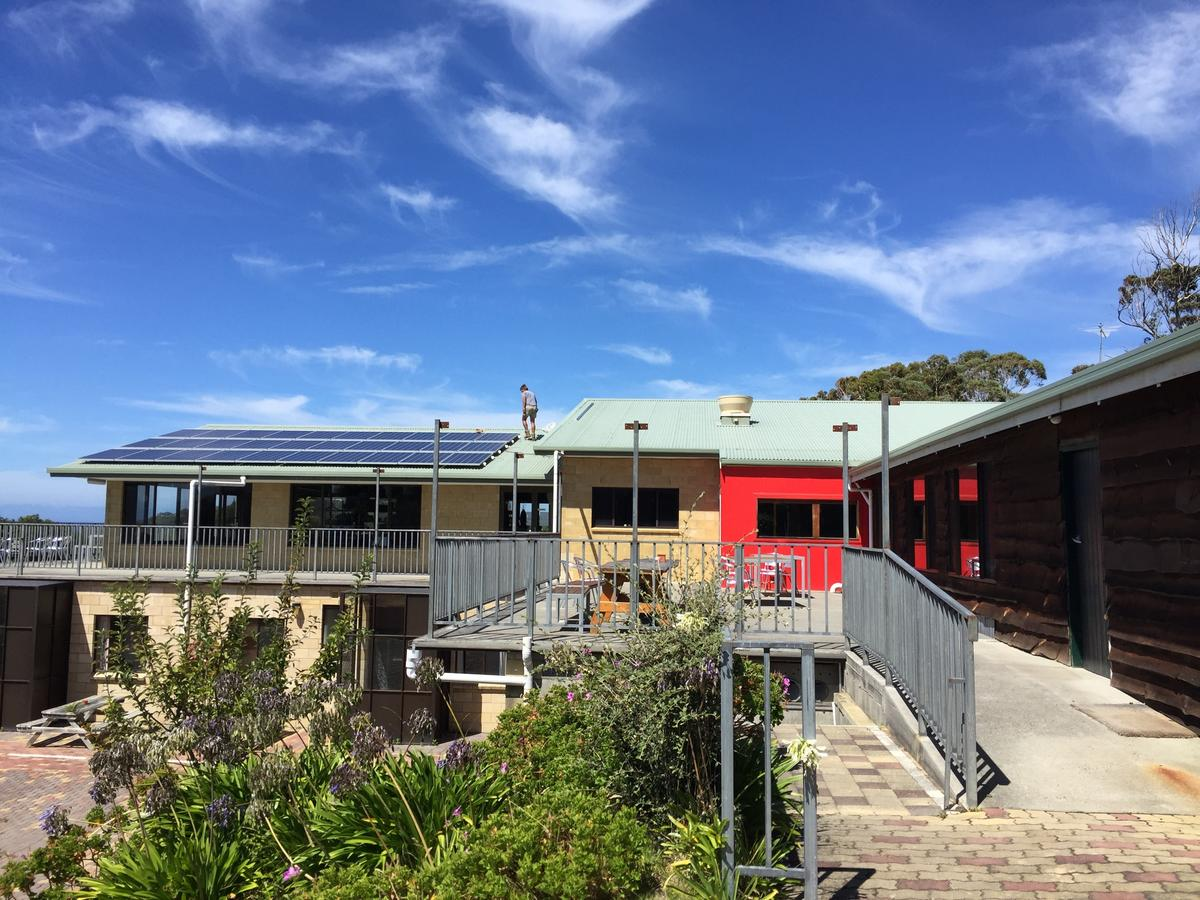 Seaview Holiday Park - Accommodation VIC