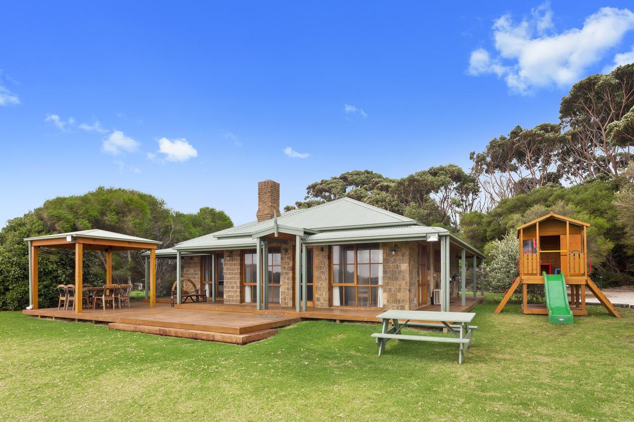 Apollo Bay Cottages - Accommodation VIC